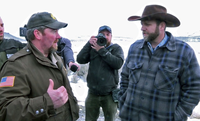 Sheriff David Ward with Oregon Militia leader Ammon Bundy. -photo from The Oregonian.